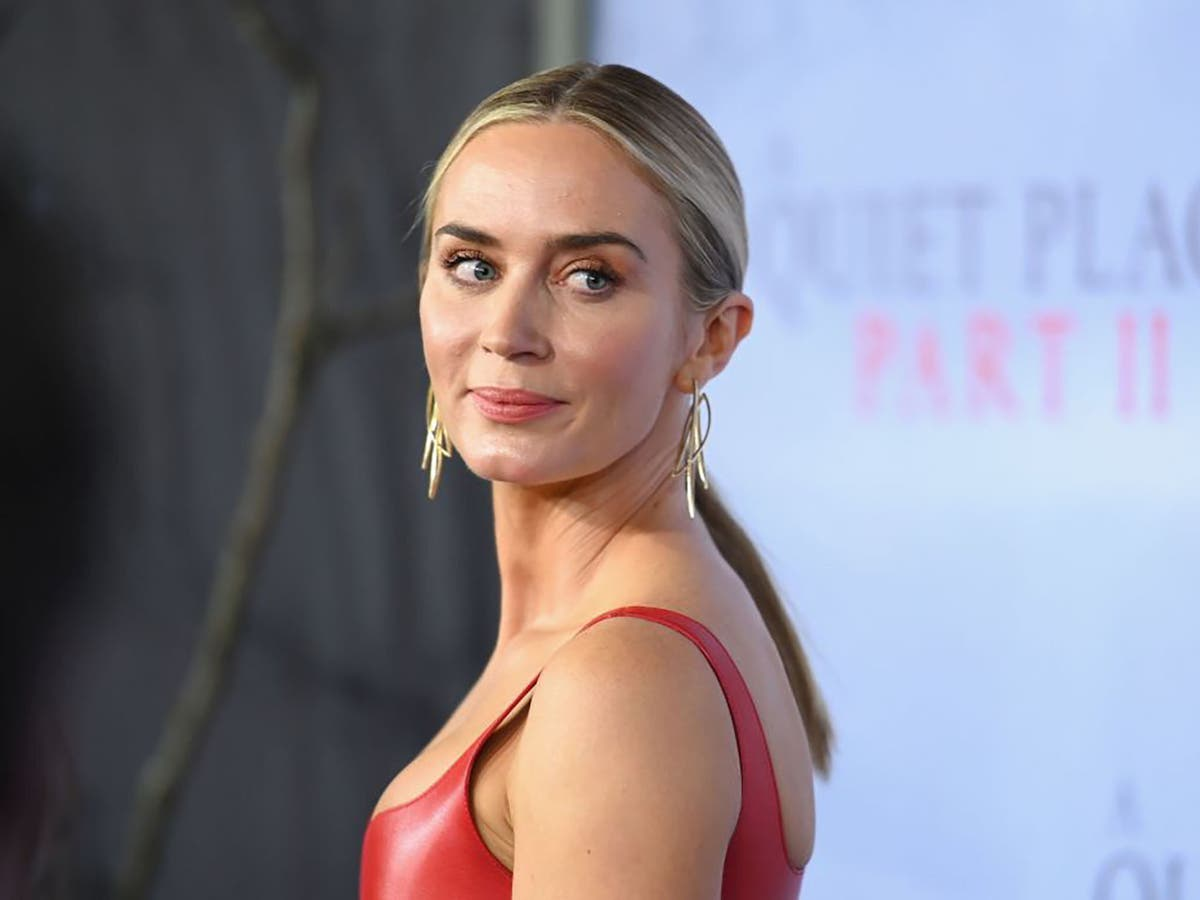 Emily Blunt leads cast for BBC western revenge series The English