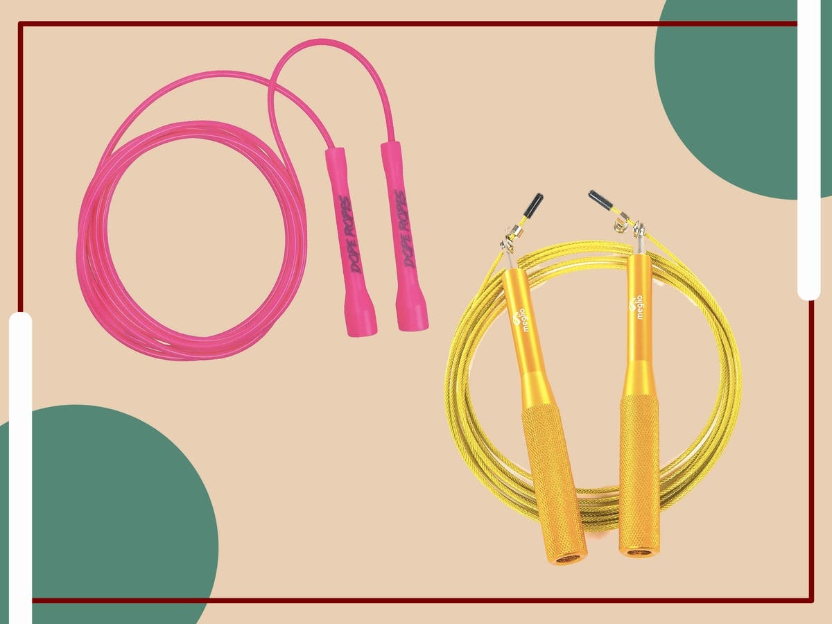 11 best fitness skipping ropes to improve stamina and speed