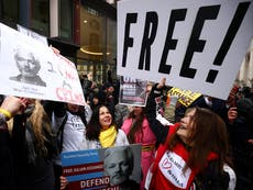 Mexico offers political asylum to Julian Assange