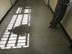 Lack of access to lawyers for immigration detainees being held in prison is unlawful, Règles de la Haute Cour