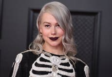 Phoebe Bridgers concert hit by incredible lightning strike: 'That is not a backdrop'