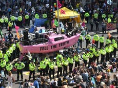 深刻な迷惑? 警察法案が気候変動の抗議をどのように抑制できるか