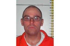 Nevada inmate fighting execution seeks firing-squad option