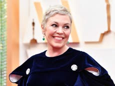 Olivia Colman saw hypnotherapist after 'wetting herself' from stage fright during performance with David Mitchell