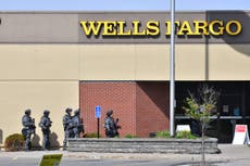 2 women freed from ongoing Minnesota bank robbery standoff
