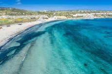 Preciso pagar por um teste da Covid antes de voar de volta de um país da lista verde como Malta?