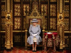 Queen's Speech: Monarch appears dressed down on single throne in first public engagement since Philip's death