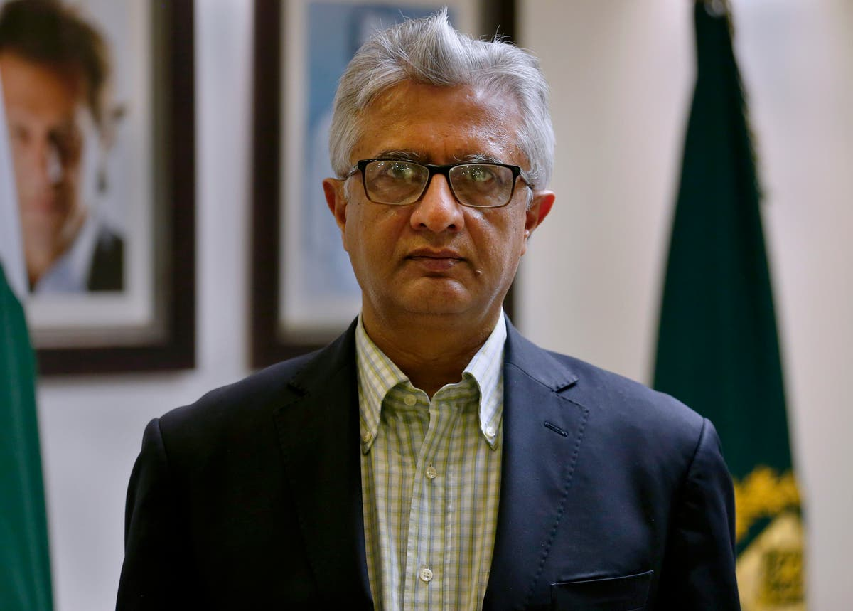 Top Pakistan health official doesn't foresee India scenario