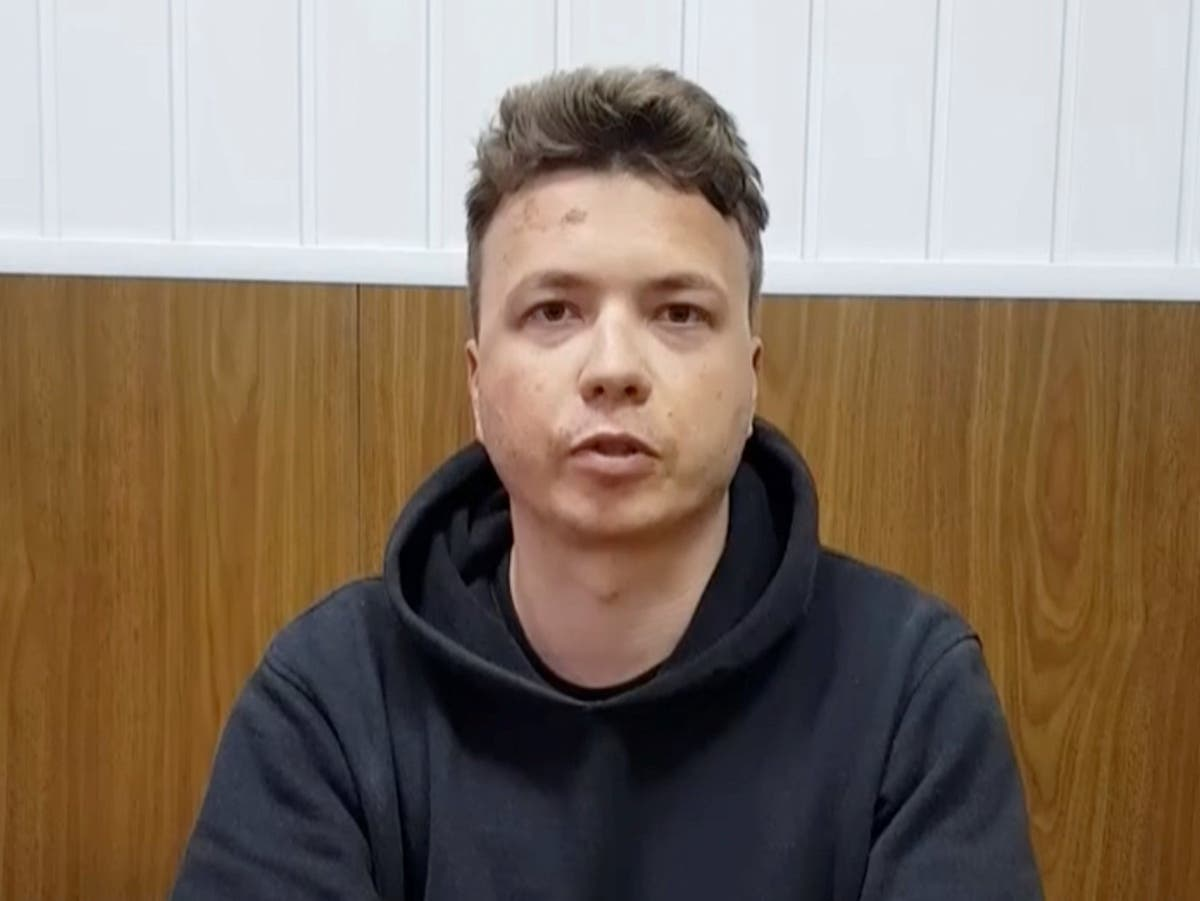 Arrested blogger has been tortured, Belarusian opposition leader says