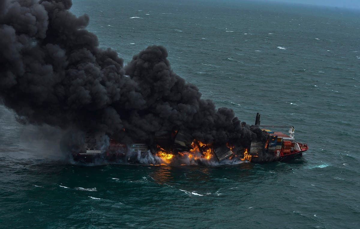 Crew evacuated after explosion on container ship off Colombo