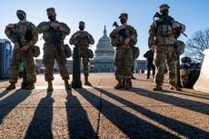 法官: Man charged with bringing guns to DC had militia ties