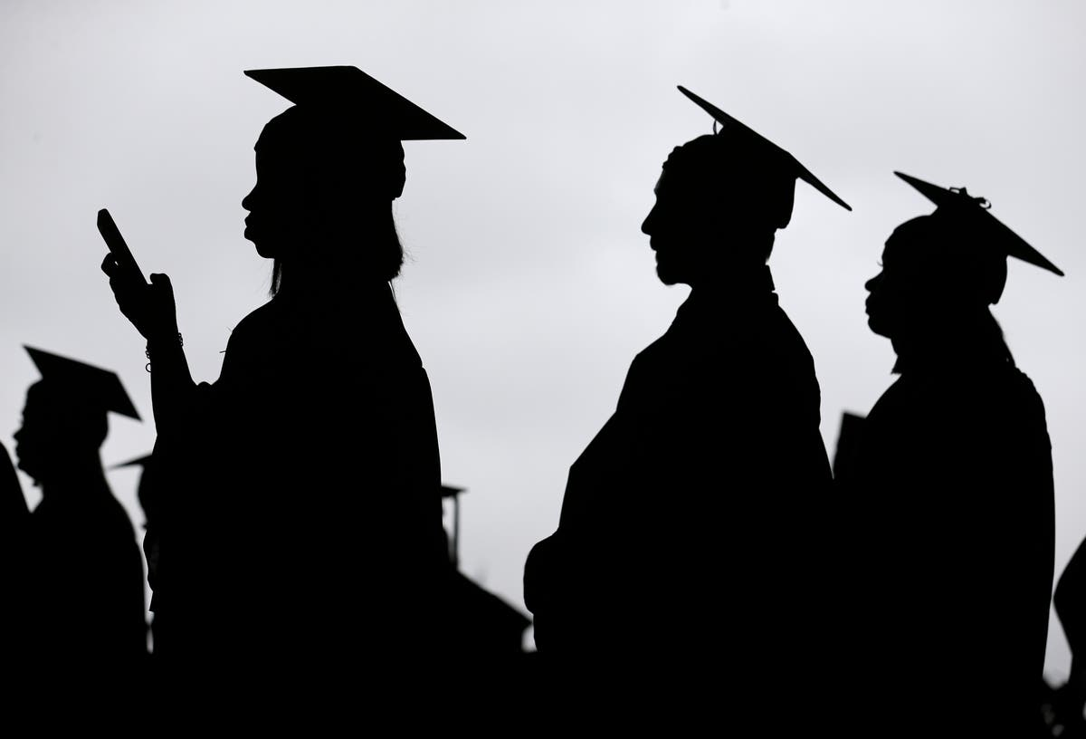 Student debt programme likely to fail 'vast majority' of borrowers, report finds
