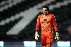 Huddersfield to sign goalkeeper Lee Nicholls from MK Dons