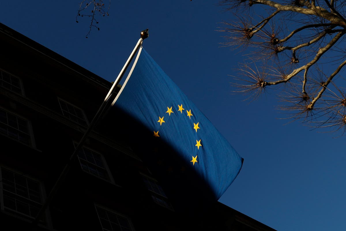 Surge in requests for help among EU nationals as settlement deadline looms