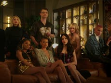 Gossip Girl: Kristen Bell returns as ominous narrator in first teaser for new series