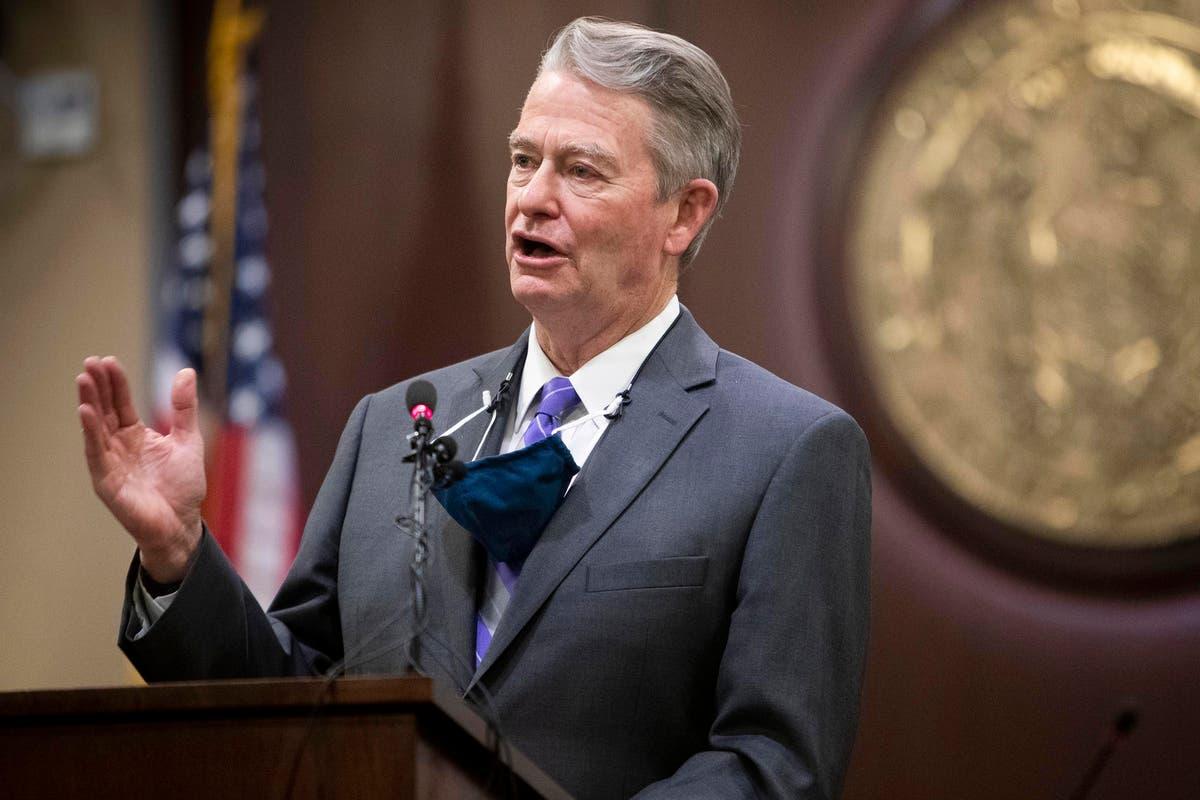 """A governadora de Idaho ataca o """"abuso de poder"""" da vice-governadora por sua proibição de mandatos de máscara enquanto ele estava fora"""