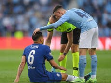Thiago Silva injury: Chelsea defender forced off in first half of Champions League final against Man City