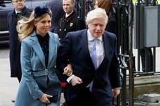 报告: 鲍里斯·约翰逊, fiancée Carrie Symonds wed in London
