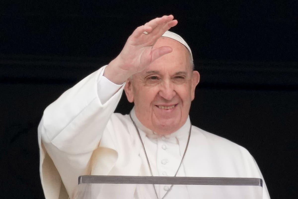 Pope invites Lebanese Christians to Vatican for peace prayer