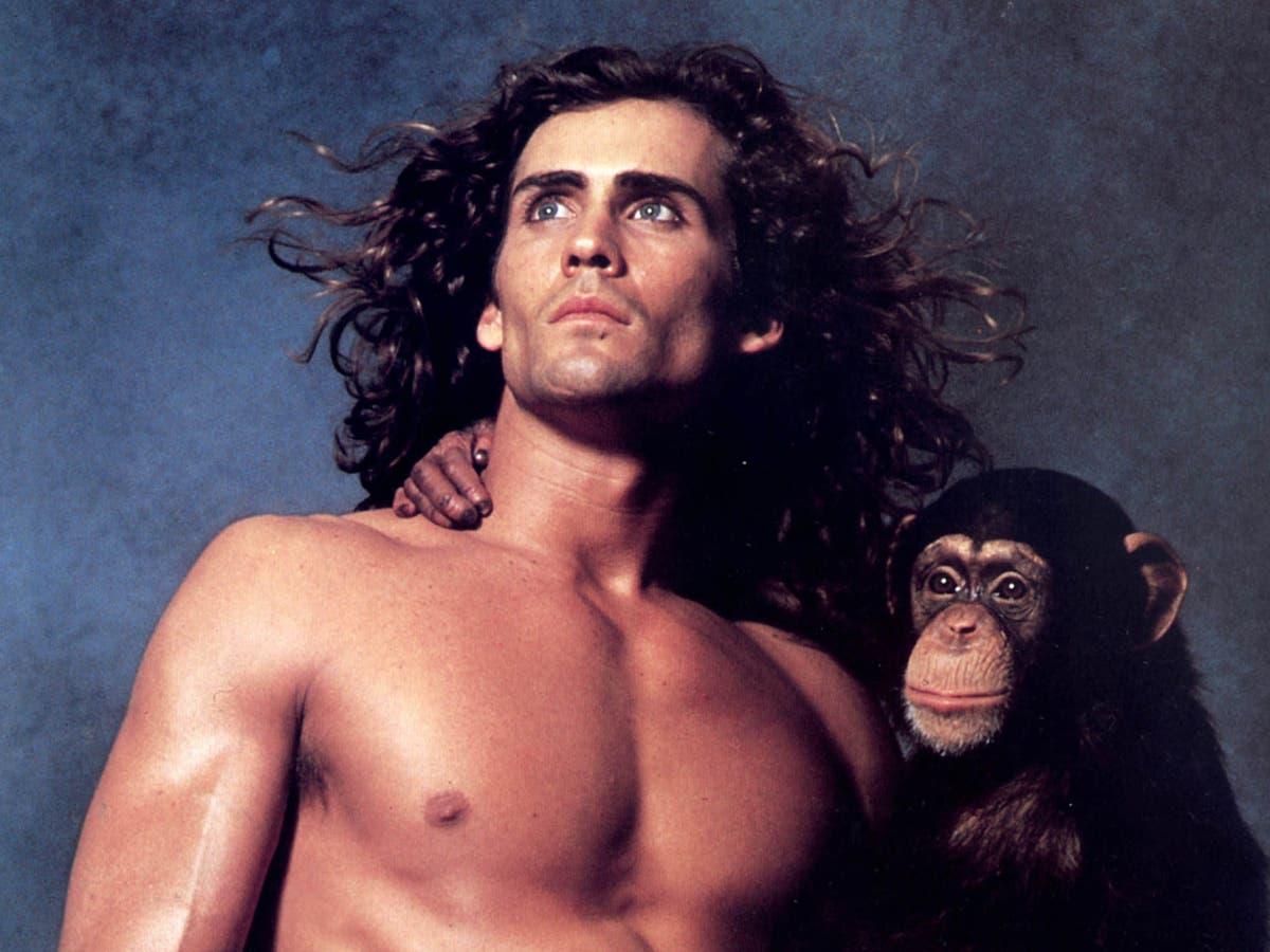 Fans pay tribute after Tarzan actor Joe Lara killed in plane crash