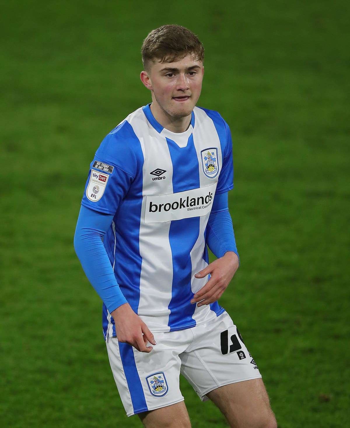 Scott High agrees new long-term deal with Huddersfield