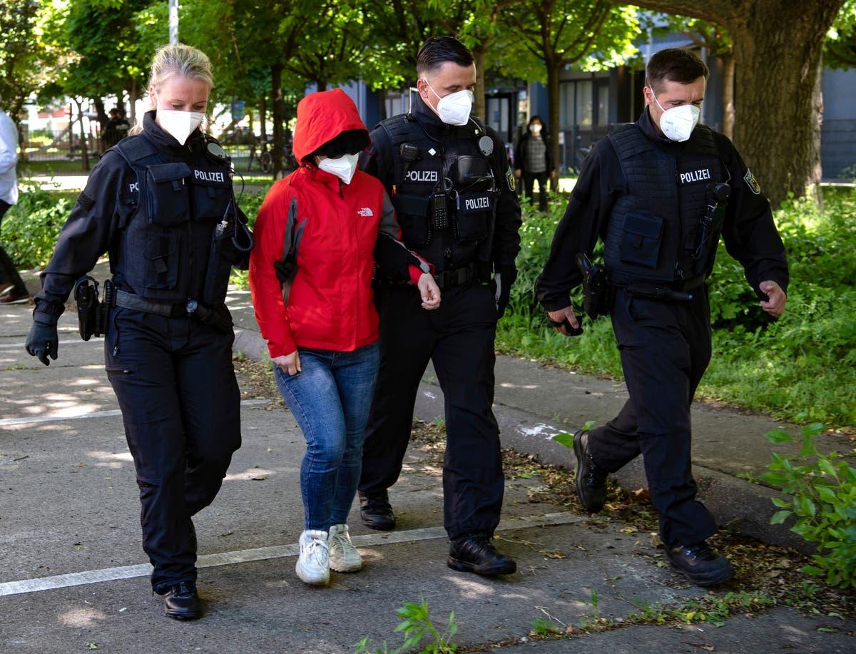 Duitsland, Slovakia arrest 2 in raids on trafficking ring