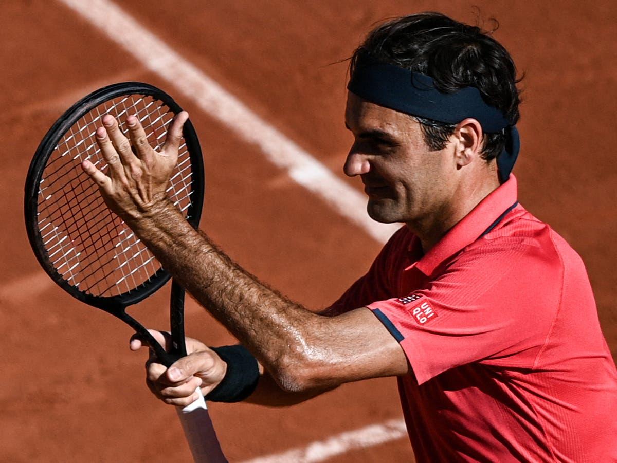Roger Federer off to winning start at French Open on Grand Slam return