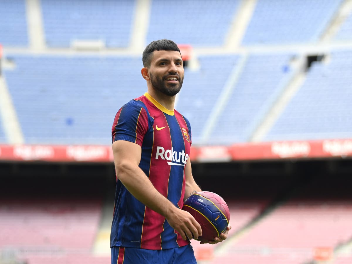 Sergio Aguero hopes he can play alongside Lionel Messi at Barcelona