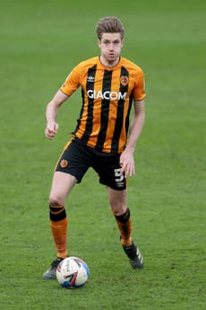 Defender Reece Burke to join Luton after Hull contract expires