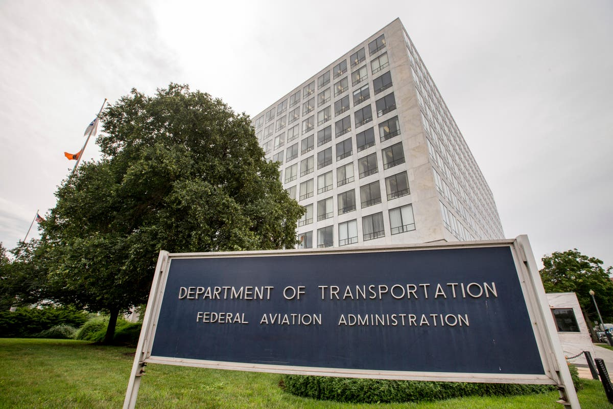 FAA safety official retires; was criticized over Boeing jet
