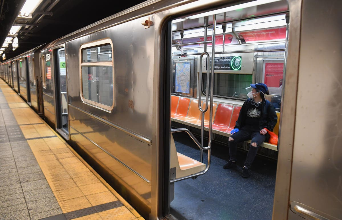 Man reveals what it's like to be hit by NYC subway train