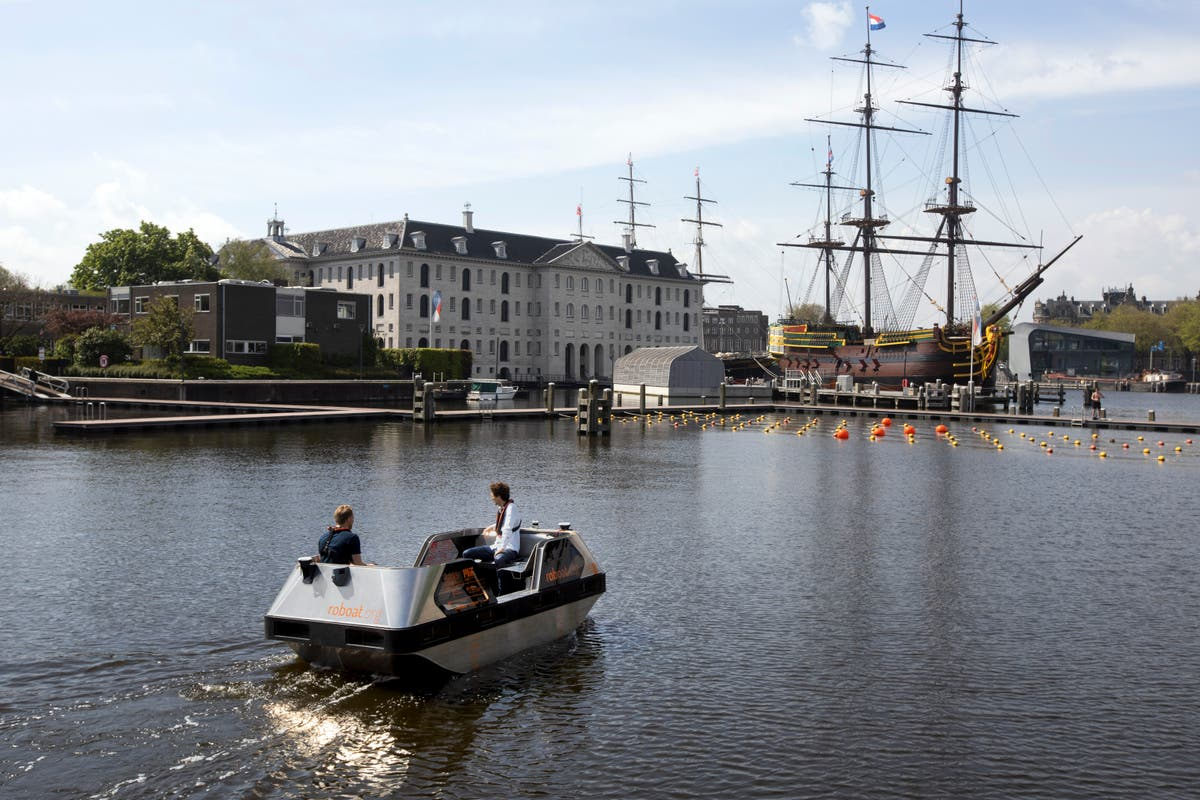 Amsterdam tests out electric autonomous boats on its canals