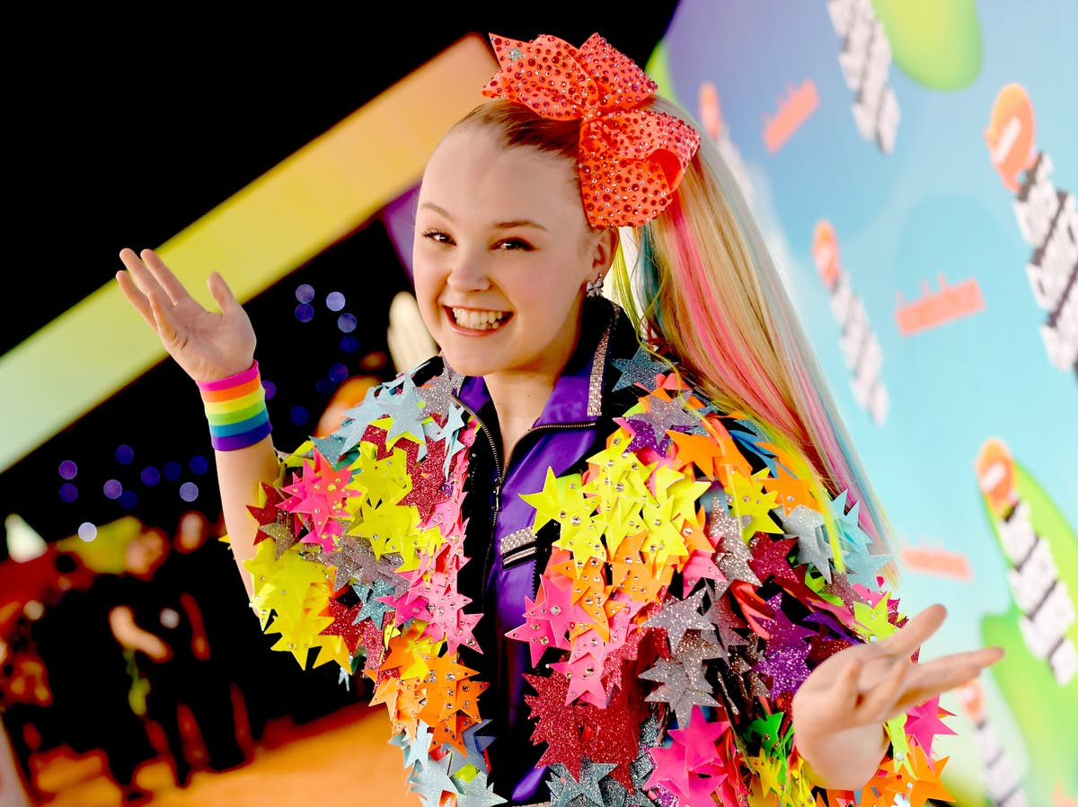 JoJo Siwa says discarding her hair bow was 'harder' than coming out