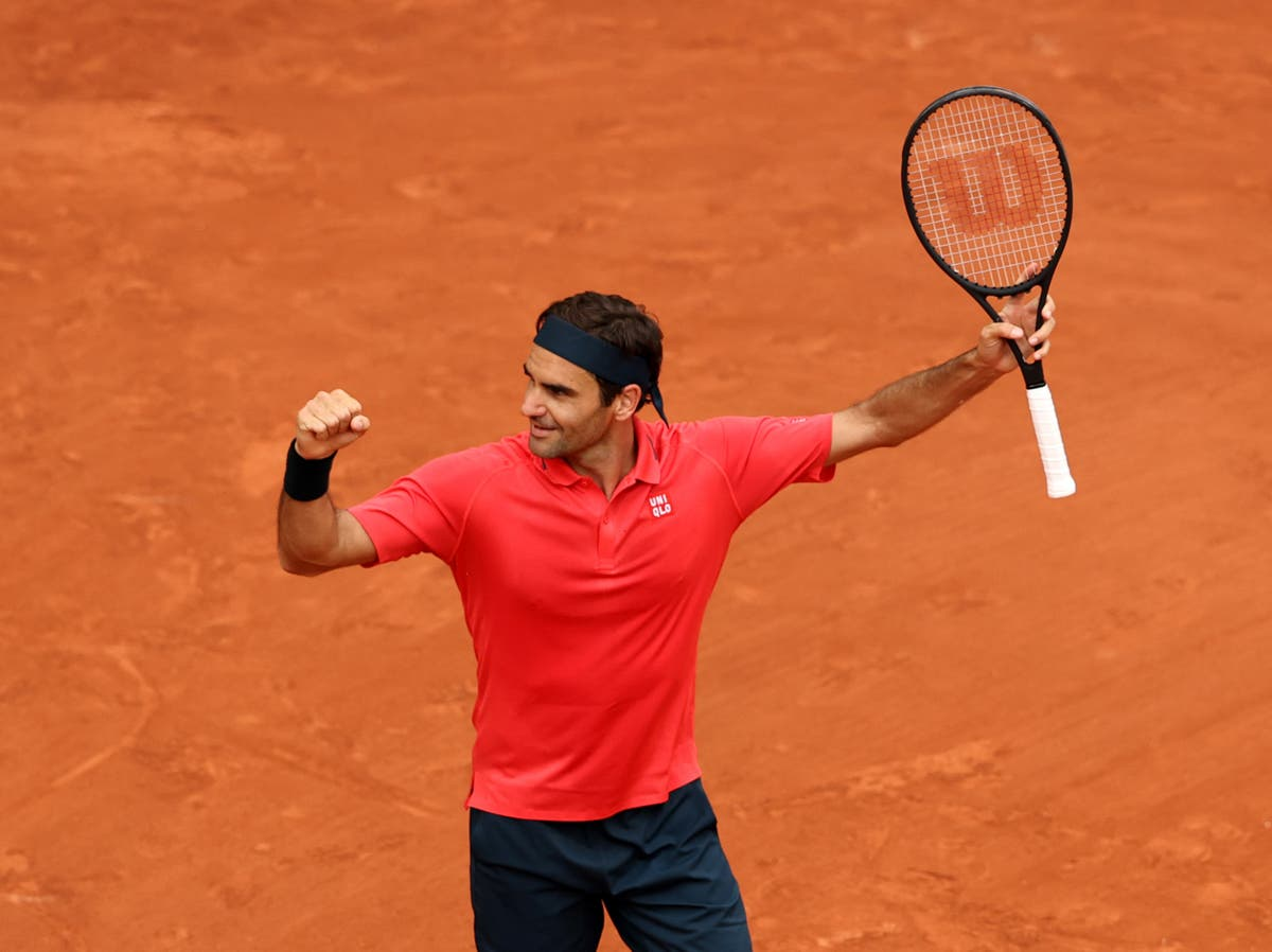 Roger Federer and Novak Djokovic seal spots in third round at French Open