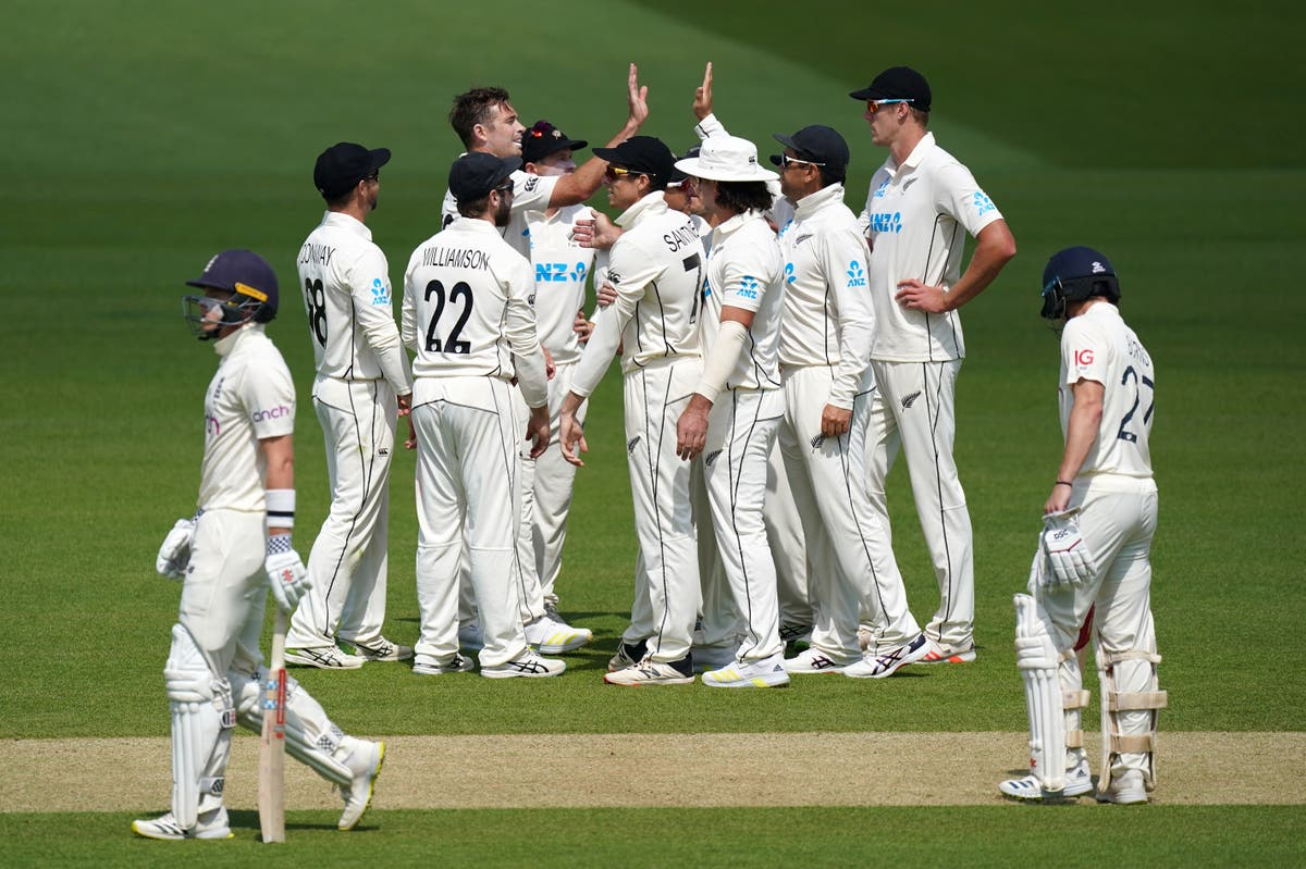 Tim Southee causes England to suffer middle-order collapse in first Test