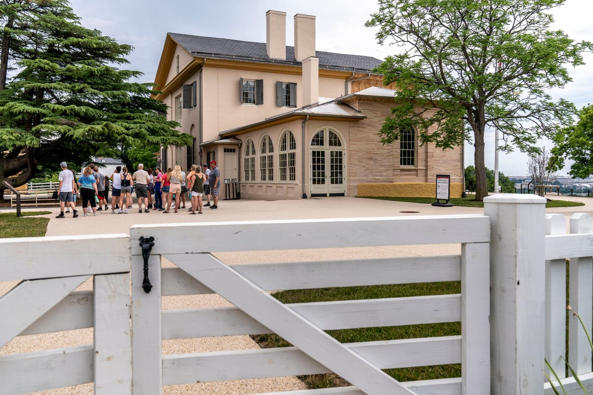 Mansion once home to Robert E. Lee reopens after overhaul