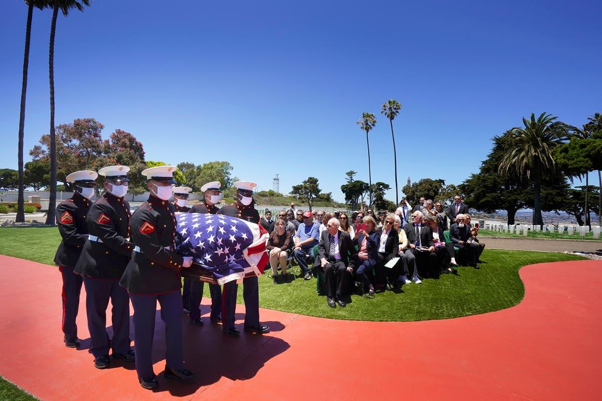 カリフォルニアで休息するために置かれた真珠湾で殺された海兵隊員
