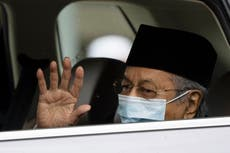 Malaysian king holds unusual meetings with political leaders