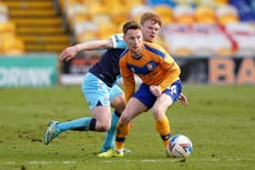 Stephen Quinn returns to Mansfield on permanent deal