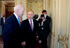 拜登, Putin discuss ambassadors, nuclear weapons and more