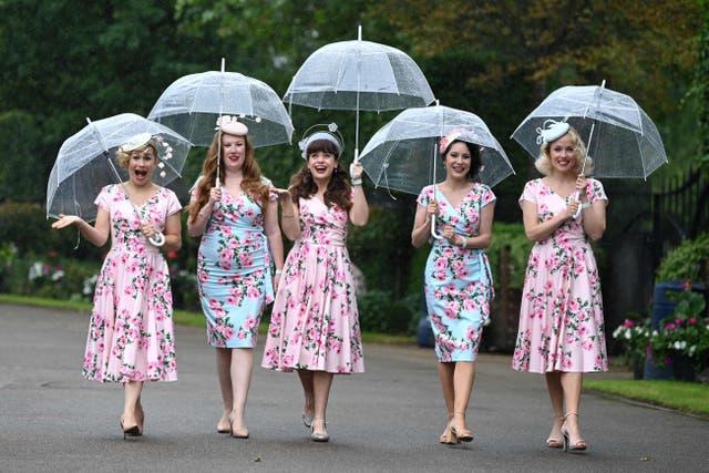 Les membres du groupe de jazz Tootsie Rollers posent le troisième jour de la compétition hippique de Royal Ascot