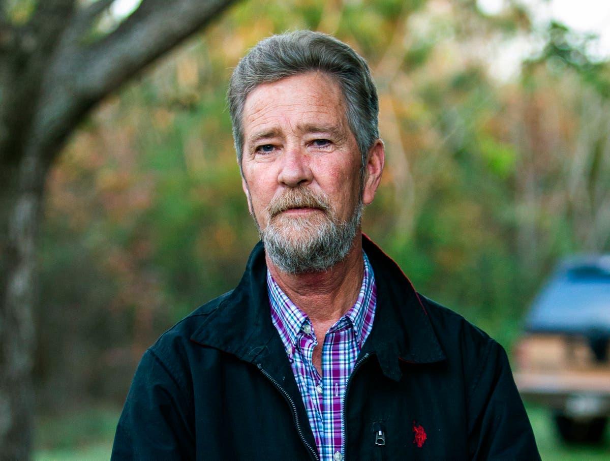 North Carolina ballot probe figure pleads to benefit fraud