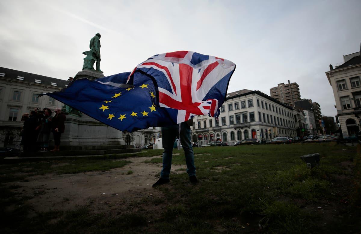 """Milhares podem ter seus direitos privados em meio a esforços """"frenéticos"""" de última hora para solicitar um acordo da UE"""