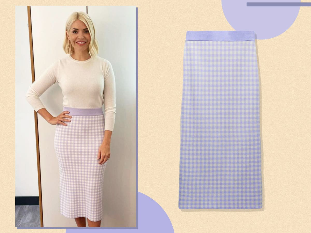 Holly Willoughby's gingham skirt is from Zara – and it's currently on sale for £17.99
