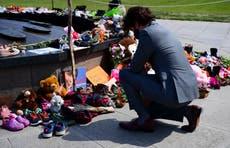 解释者: Why some schools in Canada have unmarked graves