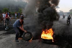 Riots in Lebanon over economy injure 10 soldiers, protesters