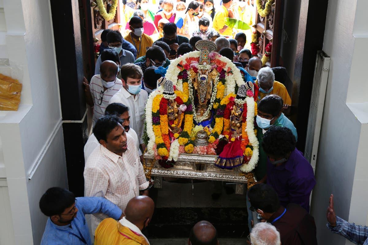 At landmark US Hindu temple, a timely rite of rejuvenation