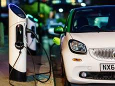 英国はちょうど 15% 気候目標を達成するために必要な電気自動車の充電ポイントの数, 労働者に警告
