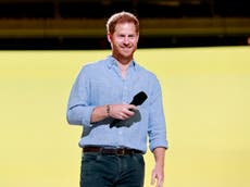 Prince Harry pays tribute to 'mum' and her legacy during Diana Award speech
