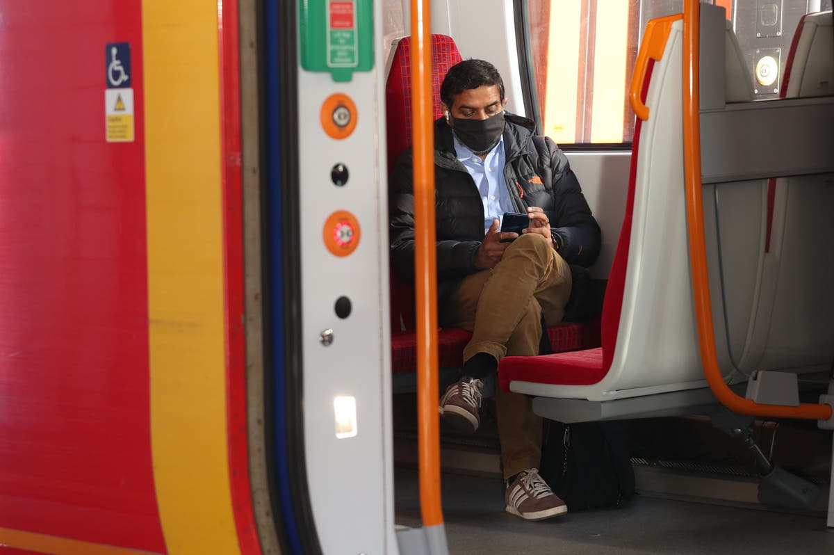 New flexible rail tickets make travel 'more expensive for many people' – Labour